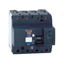 Disjoncteur Ng125N 4P 100 A...