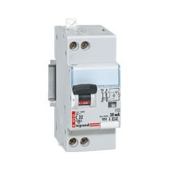 Disjoncteur différentiel 32 A - type AC - 30 mA - à vis - Uni+N - 230 V -